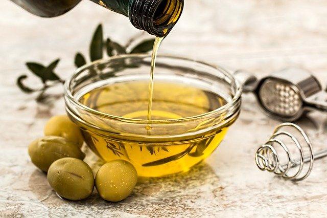 olivno-olje-zdrava-prehrana-dietetik.si