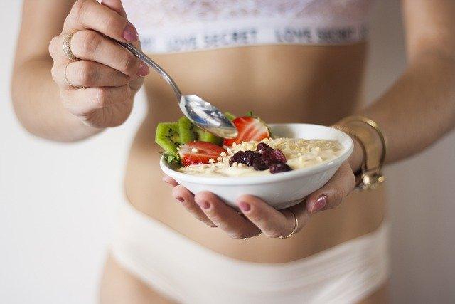 zaprtost-prehranske-vlaknine-dietetik
