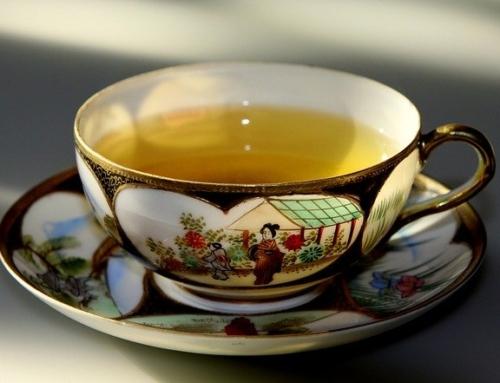 Zeleni čaj, poleg vseh ugodnih učinkov na naše telo in um, upočasnjuje proces staranja